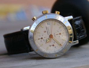 UNIVERSAL GENEVE  COMPAX 7750